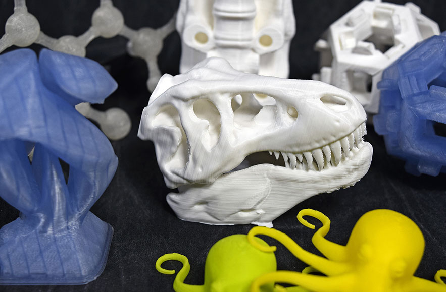 Multi colored 3D objects printed with PLA filament